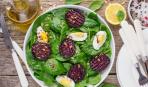 Салат из запеченной свеклы и яиц