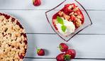 Летний десерт на скорую руку: ягодный крамбл