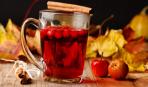 Осенний напиток из клюквы и меда