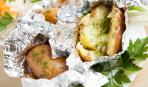 Запеченный картофель в фольге в духовке