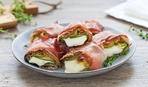 Антипасти: рулетики из бекона и овощей с сыром