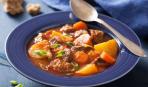 Тушеная говядина с картофелем и морковью