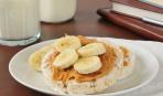 Рисовые хлебцы с бананом и арахисовым маслом