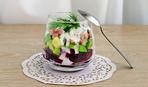 Салат из сельди, свеклы и авокадо
