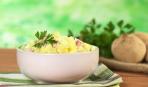 На скорую руку: картофельный салат с ветчиной и чесноком