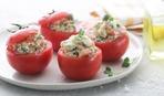 Простая закуска: фаршированные помидоры с тунцом