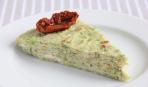 Лучшие летние рецепты: кабачковый торт с творогом и вялеными помидорами