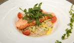 Легкий салат из норвежской семги