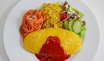 Пышный омлет с помидорами, салями и зелёным луком
