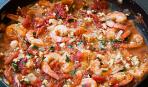 Креветки в томатном соусе с фетой