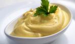 Простая и быстрая майонезно-горчичная заправка для салатов