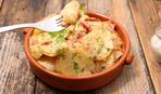 Картофельные ломтики с беконом и сыром
