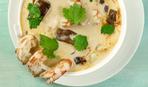 Тайский суп с креветками и кокосом