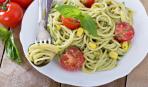 Спагетти с кукурузой и песто