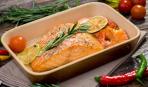 Семга в фольге с овощами, маслом и соевым соусом