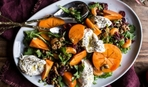 Запоминающийся салат с хурмой и курицей