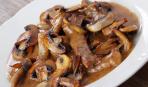 Бефстроганов с грибами и сливками: пошаговый рецепт