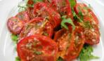 Запеченные помидоры c ароматными травами