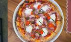 Пицца с тремя видами мяса