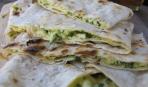 Готовим на гриле: закусочные конвертики из лаваша