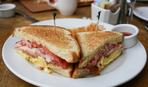 Завтрак выходного дня: запеченные сэндвичи