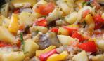 Картофельное рагу с баклажанами