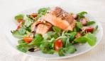 Салат с хрустящей рыбой от Джейми Оливера