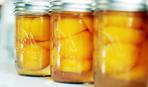 Персики в белом вине - когда консервируют гурманы