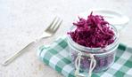 Салат из краснокочанной капусты и чернослива на зиму