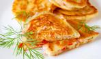 """Завтрак на скорую руку: оладьи """"Мини-пиццы"""""""