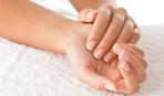 Спасаем слоящиеся ногти: рецепты домашних ванночек