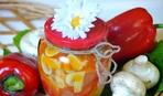 Краски осени: 3 вкусных салата на зиму с шампиньонами