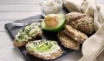 Закусочные бутерброды на скорую руку из авокадо: пошаговый фоторецепт