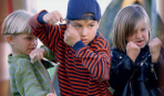 Как научить ребенка давать сдачи