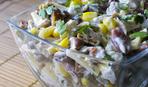 Низкокалорийный салат с курицей, фасолью и сыром