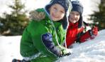 Чем заняться на улице с ребенком зимой?