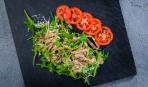 Подайте к ужину: салат из говяжьего языка с имбирно-чесночной заправкой