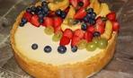 Что приготовить на десерт: заливной пирог к чаю