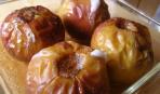 Яблоки, фаршированные печеночным паштетом