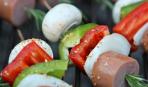 Шашлычки с сосисками, овощами и розмарином