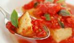 Полента с томатным соусом и розмарином