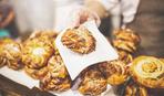 Слоеные пирожки с кунжутом