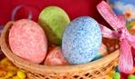 Как покрасить яйца с помощью риса