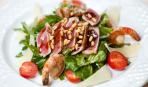 Теплый салат с тунцом