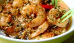 Фондю с креветками в чесночном соусе