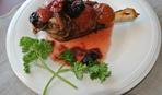 Курица с сухофруктами и кедровыми орехами