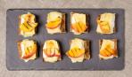 Французский тост с персиками на завтрак