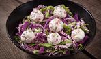 Салат з сирними кульками та мандариновою заправкою за рецептом Дарії Дорошкевич