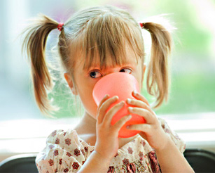 Утренний напиток ребенка