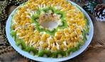 Необычный салат из курицы с киви